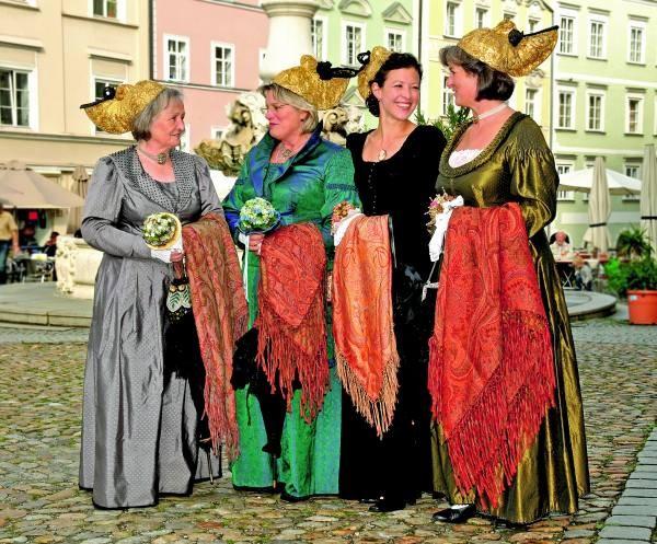 Lusta uf Bayern: Trachten Geschichte und Tradition Altpassauer Goldhaubengruppe